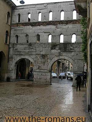 Roman city gate Porta Jove