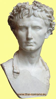 brilliance julius ceasar Julius caesar, born in 100 bc and assassinated march 15, 44 bc, held almost every position of importance in the roman government during his lifetime among.